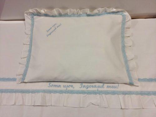 Lenjerie pat pentru copii cu dantela si broderie personalizata | roz 2